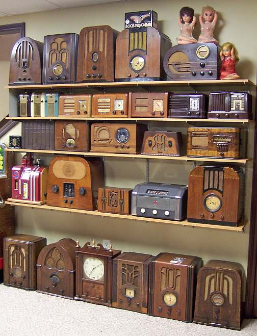 RCACTC 11ATelevision as well RadiosPage9 2010 moreover Taybeh additionally Columbia Grafonola Floor Model Hand Cranked Phonograph Victrola Music Machines Phonographs P 117828 as well File Vintage RCA Victor Plastic Table Radio  Model 65X1  5 Vacuum Tubes  Circa 1948  14069506554. on old floor radios